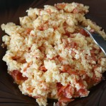 Яичница с томатом и сыром (фоторецепт)