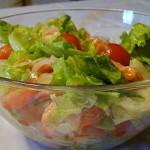 Салат из лосося, спаржи и запеченных помидоров черри